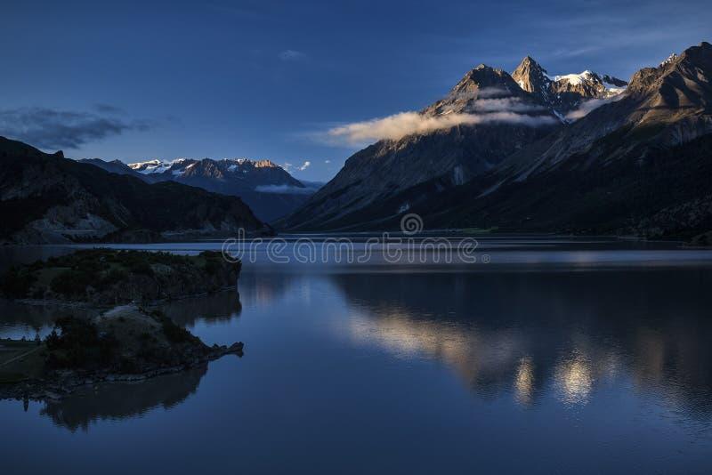 En sjö royaltyfria foton
