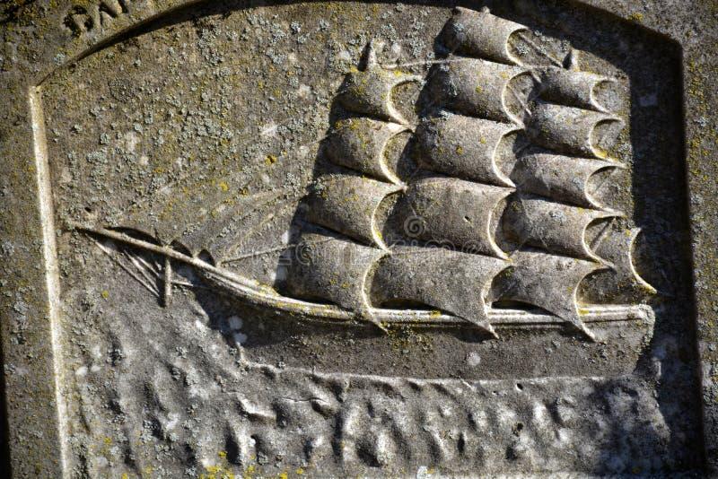 En sjömangravsten arkivfoton