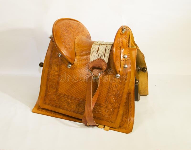 En special stol som ska sättas i baksidan av hästarna och andra djur royaltyfri foto