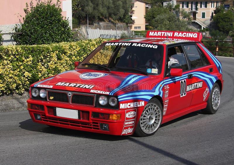En springa bil för Lancia deltaHF under ett samordnat hastighetsförsök royaltyfria foton