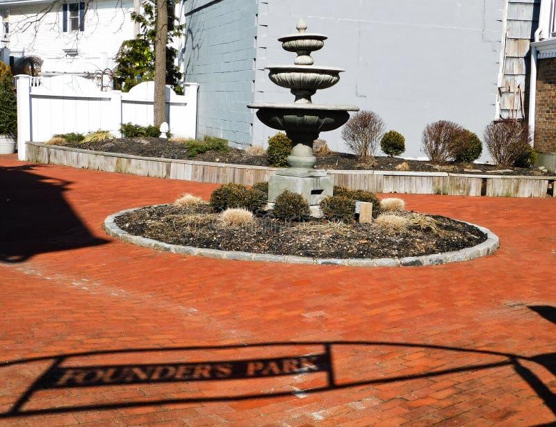 En springbrunn i grundare` s parkerar royaltyfri bild