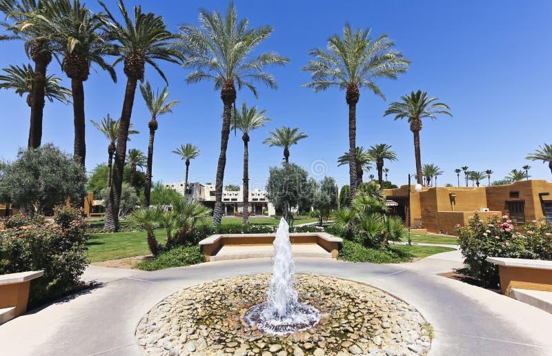 En springbrunn på wigwamen, Litchfield Park, Arizona arkivfoton