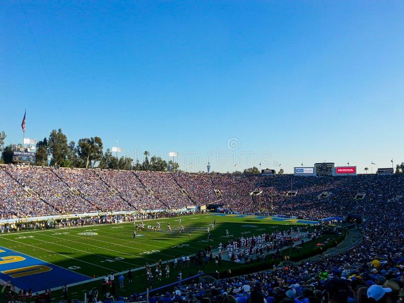 en stadion mycket av folk arkivfoton