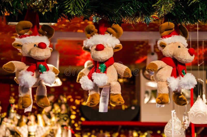 En stass av jul Juldockor arkivfoton