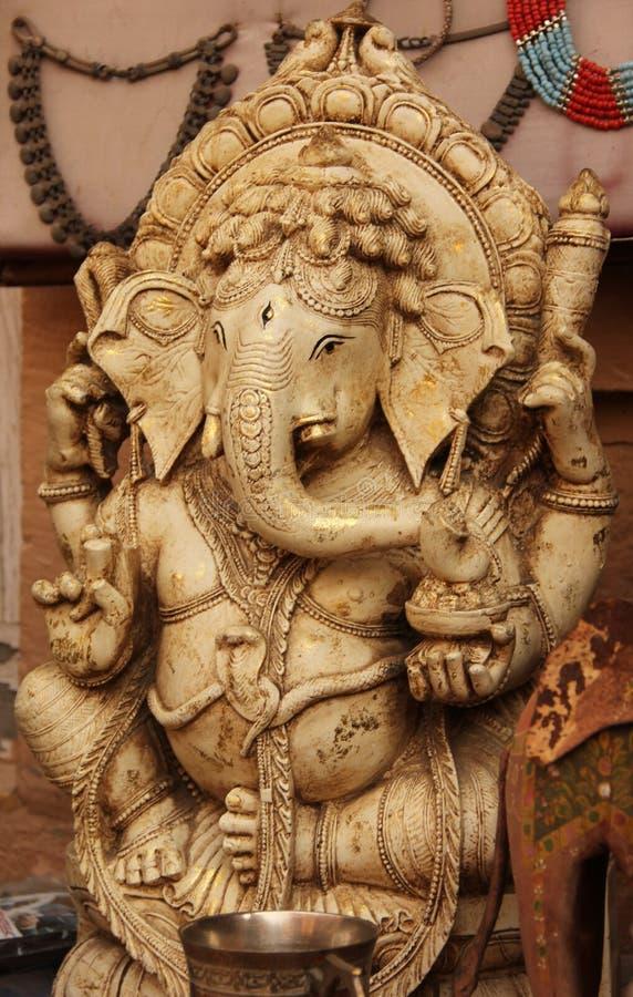 En staty av den hinduiska guden Ganesha arkivfoto