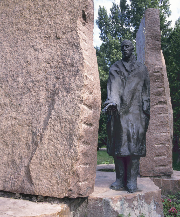 En staty av Imre Varga av Raoul Wallenberg arkivbild