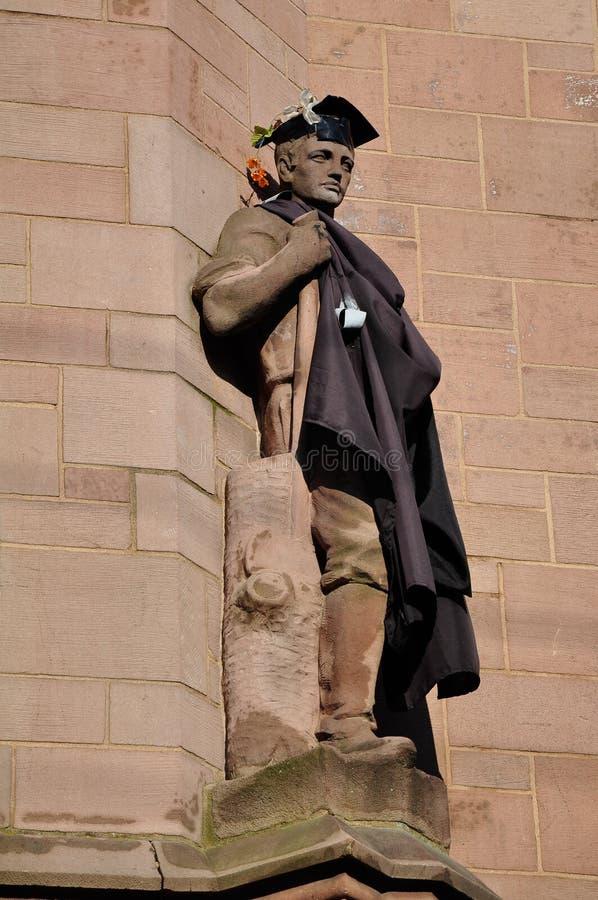 En staty i Yale University royaltyfri fotografi