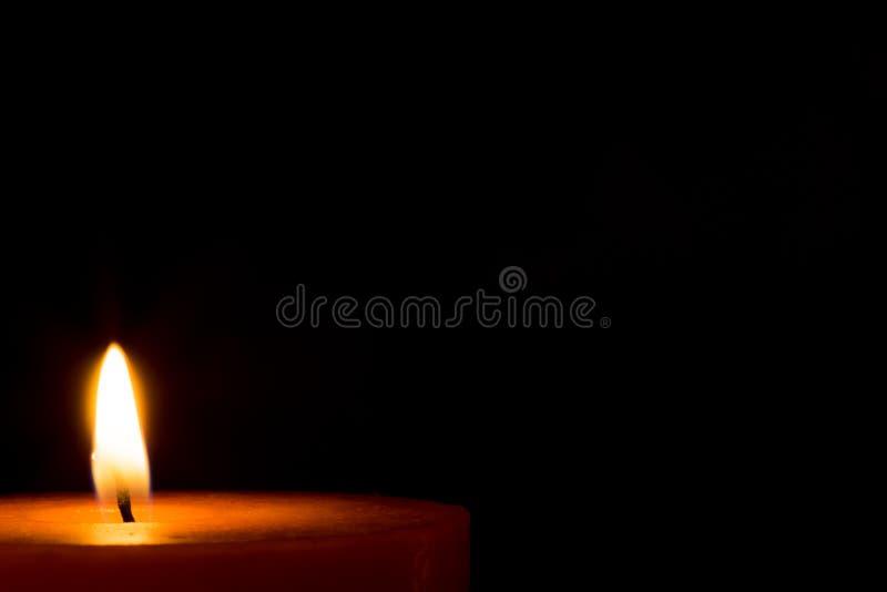En stearinljus för jul royaltyfri bild