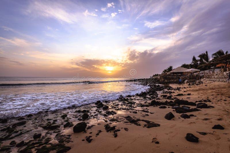 En strand i Dakar i Senegal, Afrika arkivfoto