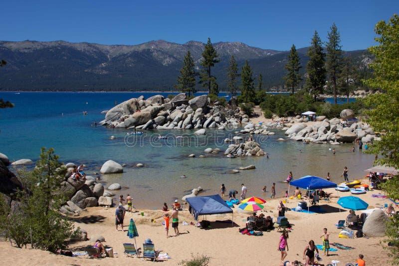 En strandplats på Lake Tahoe royaltyfria foton