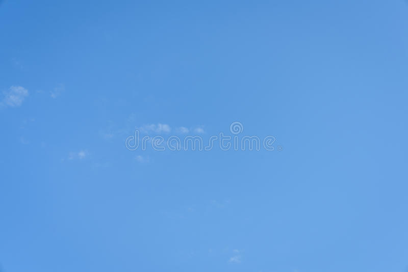 En täckning för blå himmel royaltyfri fotografi