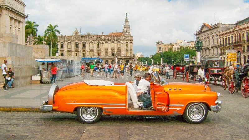 En tappningbil av Kuban på Havana Paseo Marti fotografering för bildbyråer