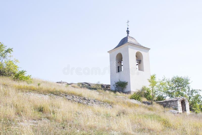 En tempel på lutningen arkivfoto