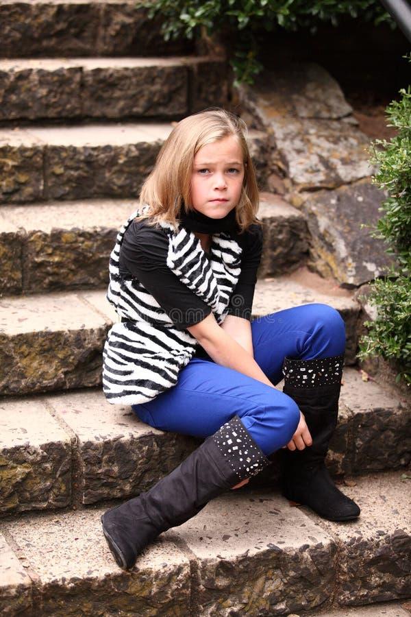 En tokig olycklig ung flicka arkivbild