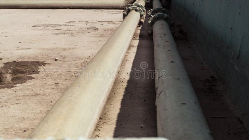 En tom pöl under den Maintenace fasen utan vatten royaltyfri fotografi