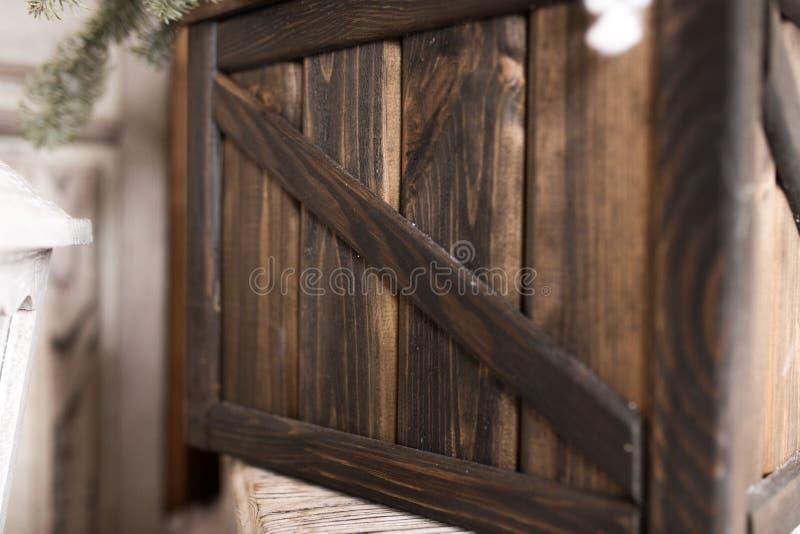 En träask knackas tillsammans, ett träfragment av textur arkivfoto