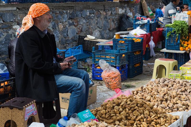 En turkisk säljare royaltyfri fotografi