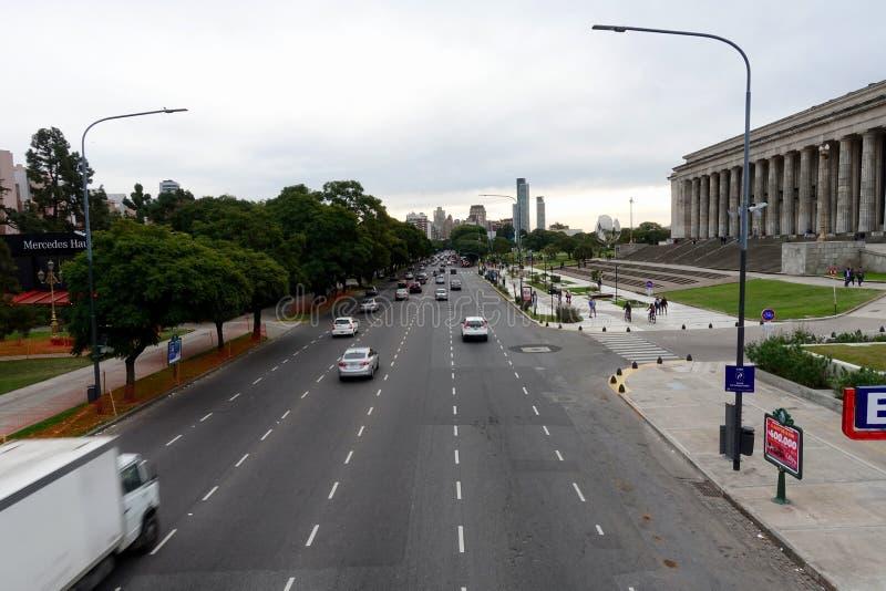 En typisk Buenos Aires gata och arkitektur royaltyfri bild