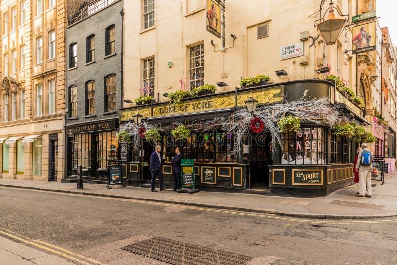 En typisk sikt i london fotografering för bildbyråer