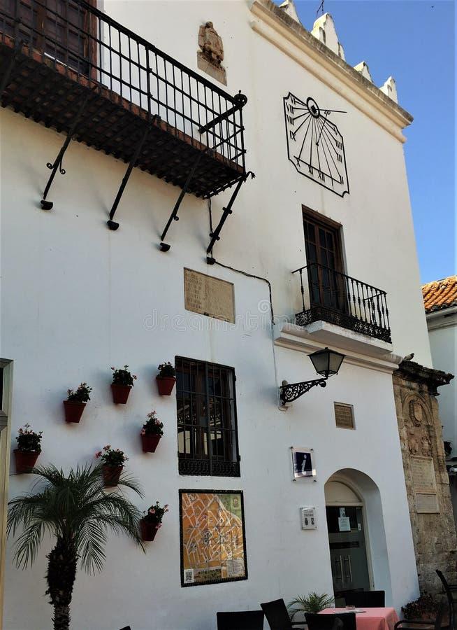 En typisk vägg av den gamla Marbellaen royaltyfri bild