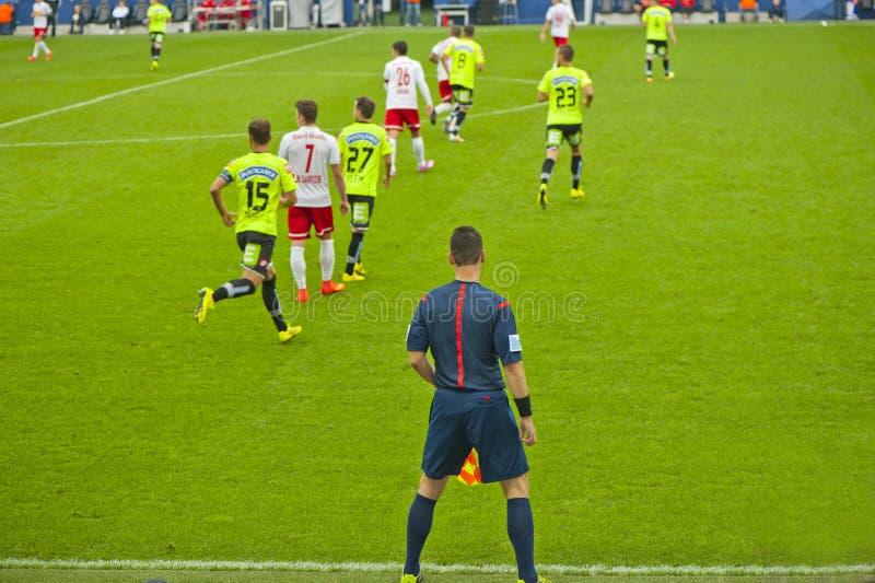 En un partido de fútbol fotografía de archivo