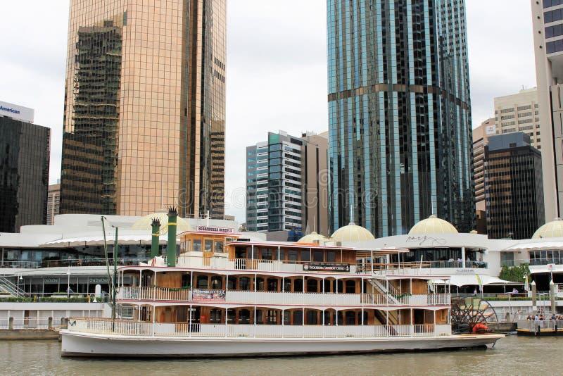 En un viaje del barco en Brisbane, Australia foto de archivo