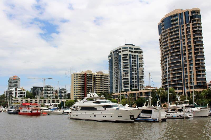 En un viaje del barco en Brisbane, Australia fotos de archivo