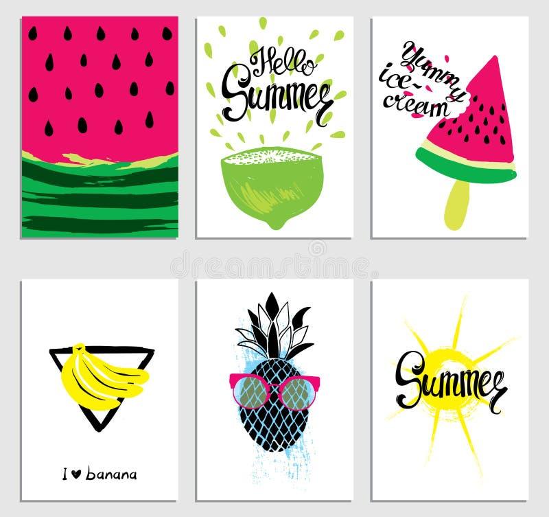En uppsättning av stilfulla sommarkort Vattenmelon, glass, sol, bananer, limefrukt och ananas också vektor för coreldrawillustrat royaltyfri illustrationer