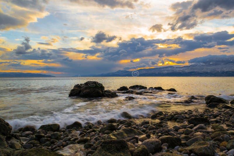 En vagga, en havsvåg arkivbilder