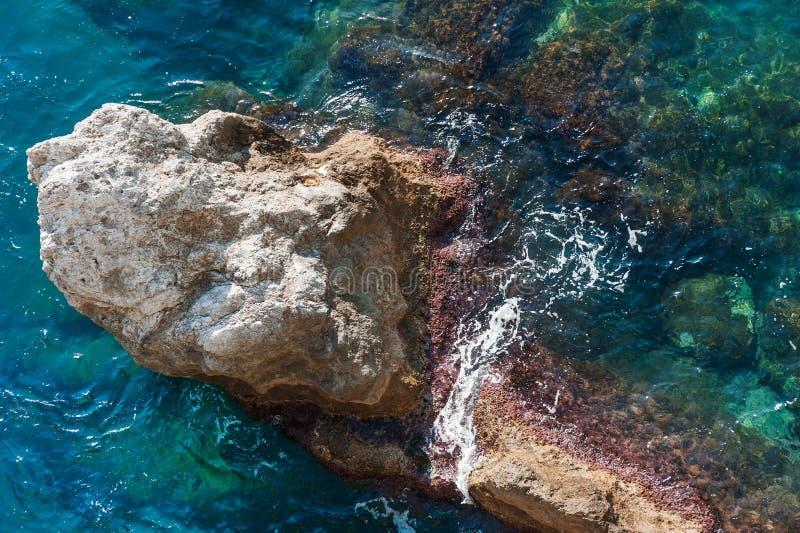 En vagga kust i för havet, Amalfi, Italien royaltyfri foto