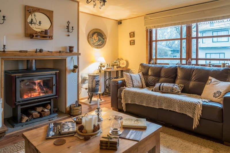En vardagsrum i ett gästhus av Puerto Natales i Chile arkivfoto