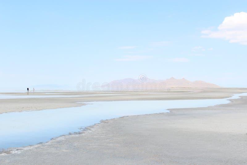 En varm dag på Greatet Salt Lake arkivfoto