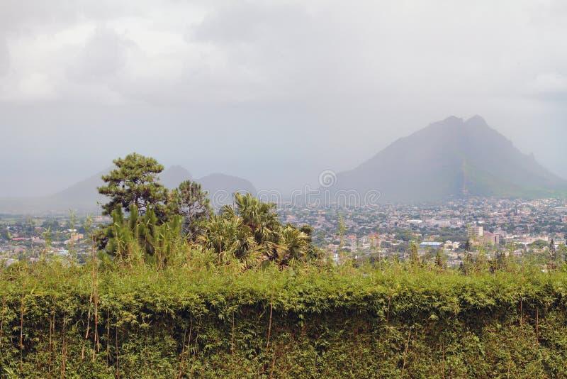 En vecindad del volcán extinto de Trou Cerfs aux. Curepipe, Mauricio foto de archivo