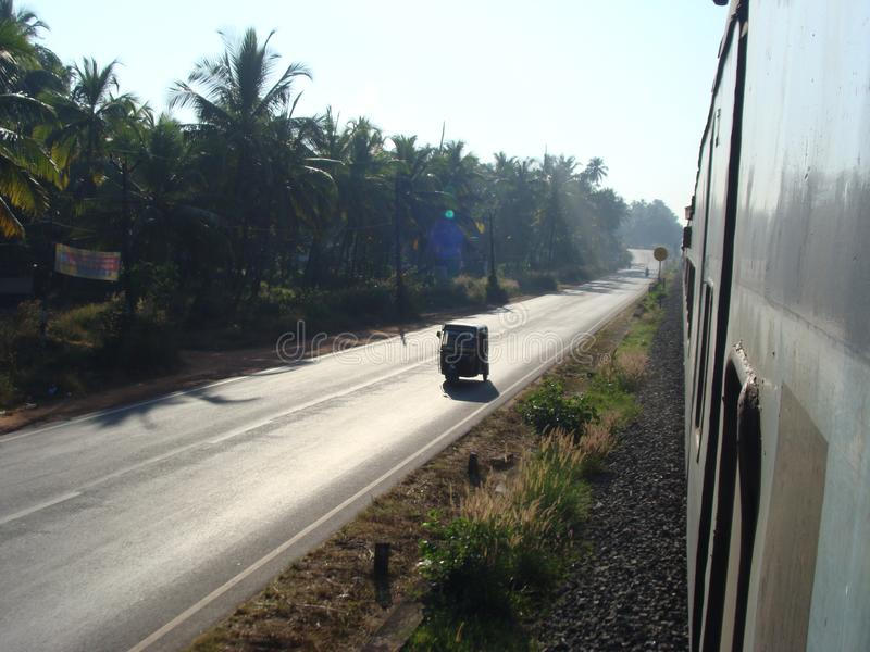 En veiw från att köra det långdistans- järnväg drevet arkivbilder