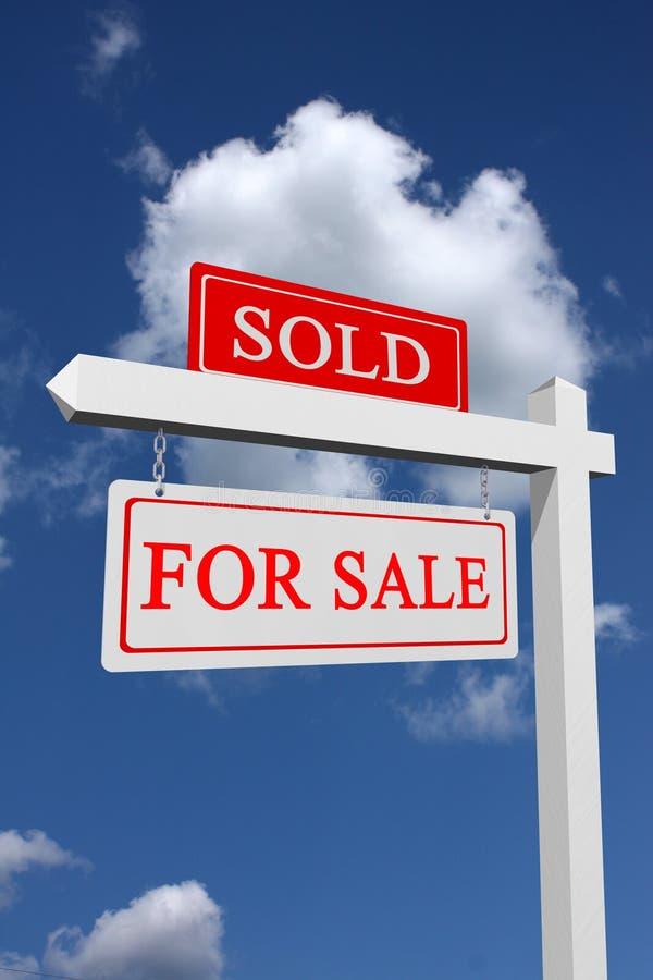 En vente et signe vendu images stock