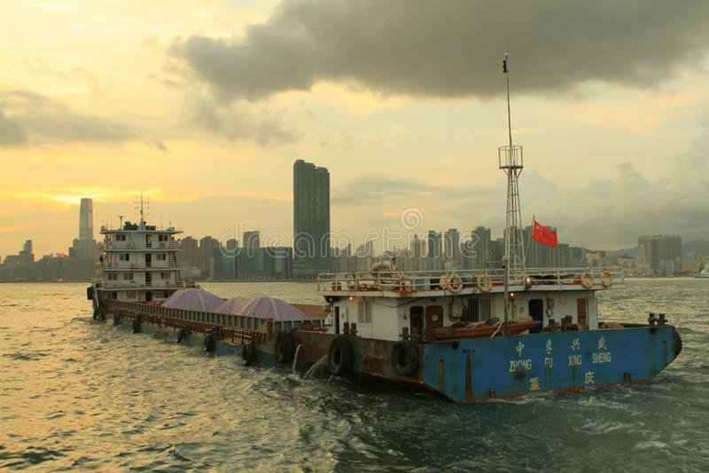 en Victoria Harbor av kwuntången till North Point fotografering för bildbyråer