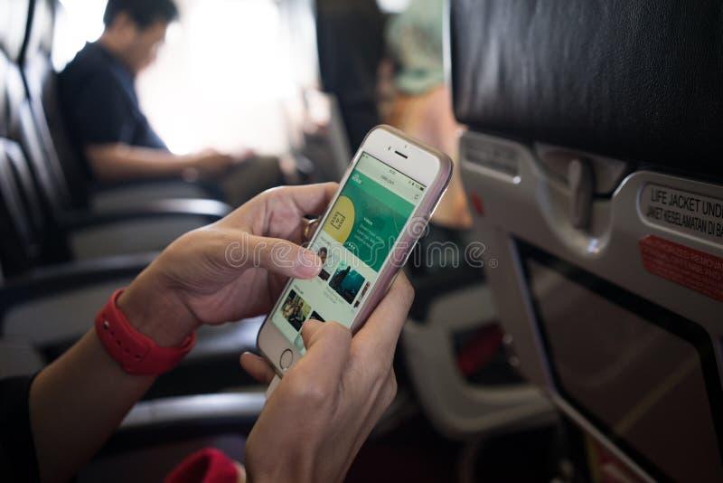 En vuelo conexión a internet foto de archivo libre de regalías