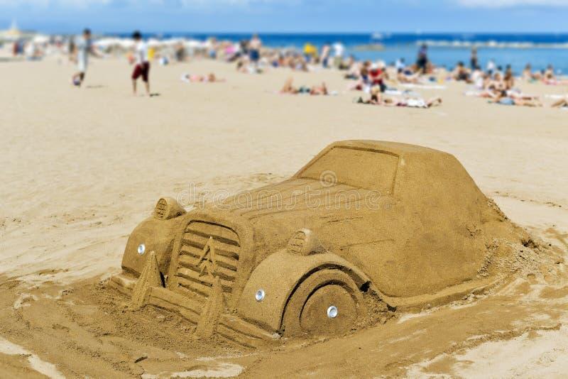 Enarene la escultura en la playa de Barceloneta del La, en Barcelona, España imágenes de archivo libres de regalías