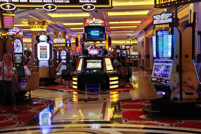 Enarmade banditer i det Palazzo hotellet i Las Vegas royaltyfri fotografi