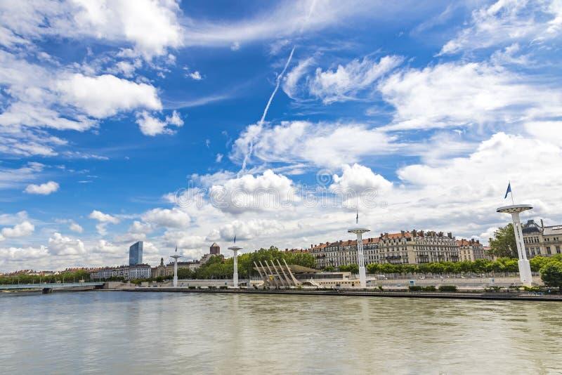 Enbankment del río Rhone en Lyon, Francia fotografía de archivo