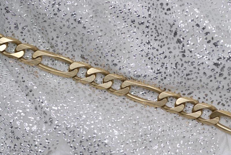 Encadenamiento del oro imagen de archivo libre de regalías