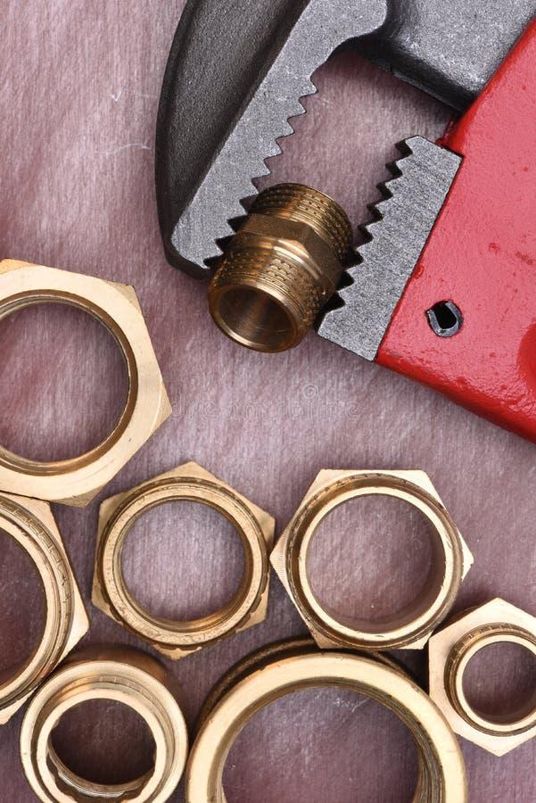 Encaixes da chave e do bronze imagem de stock