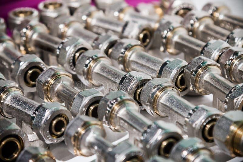 Encaixes e válvula, tubulações e adaptadores imagem de stock