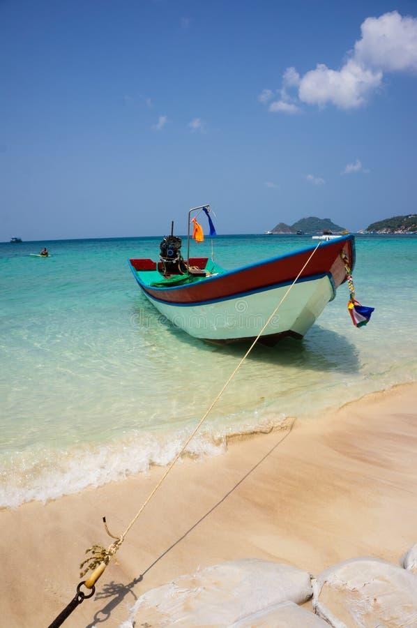 Encalhe com o barco na ilha de Ko Tao, Tailândia fotos de stock