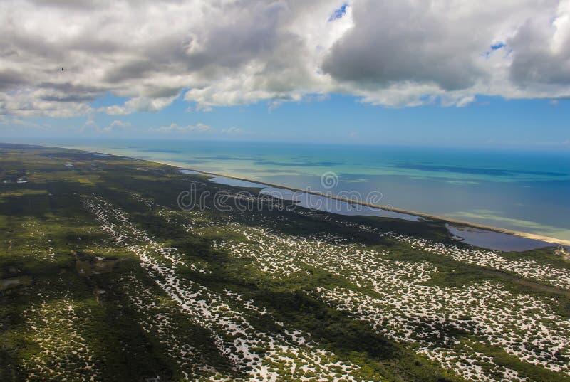 Encalhe o paraíso, praia maravilhosa, praia na região de Arraial fazem Cabo, estado de Rio de janeiro, Brasil Ámérica do Sul imagens de stock royalty free