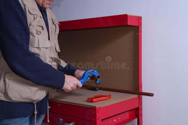 Encanador no trabalho fotos de stock
