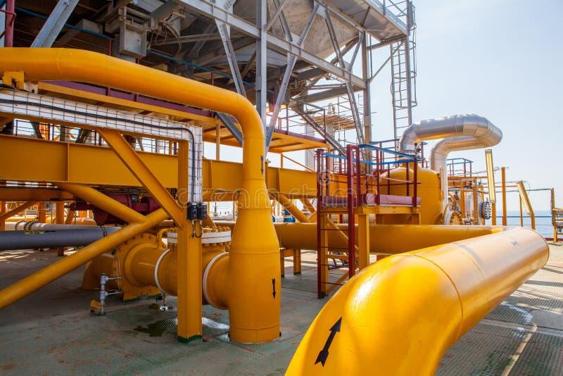 Encanamento da plataforma petrolífera e sistema de transferência da pressão imagens de stock