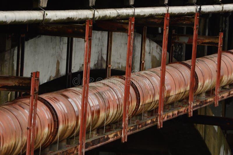 Encanamento para a água, o óleo, e o transporte líquido fotos de stock