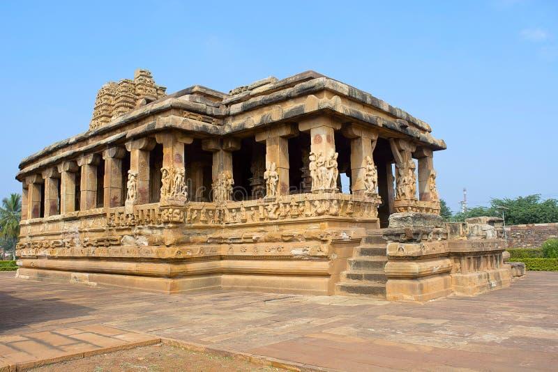 Encante el pórtico del templo de Durga, Aihole, Bagalkot, Karnataka, la India fotografía de archivo