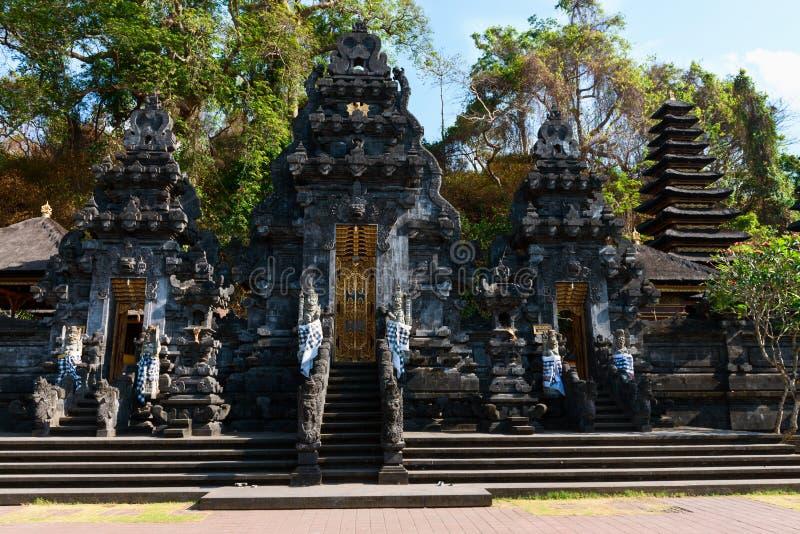 Templo de la cueva del palo de Goa Lawah, Bali, Indonesia foto de archivo libre de regalías